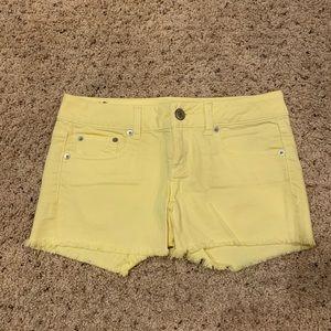 American Eagle Yellow Denim Shorts Size 4